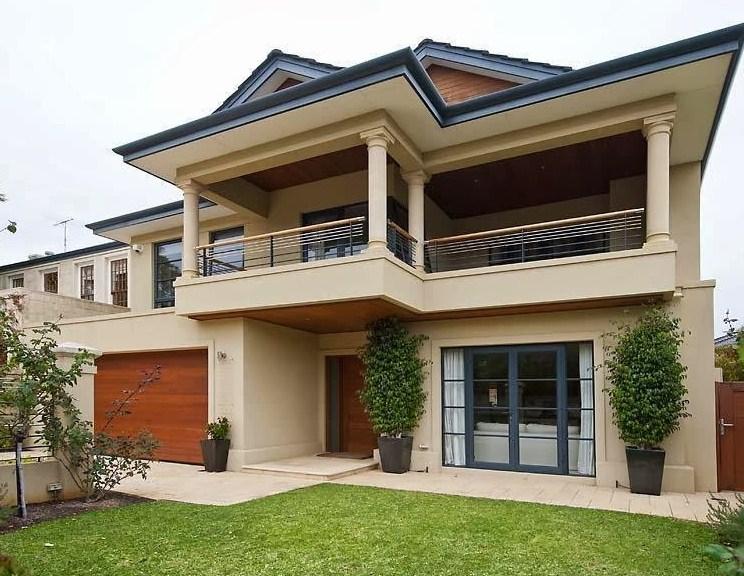 Fachadas de casas con macetas
