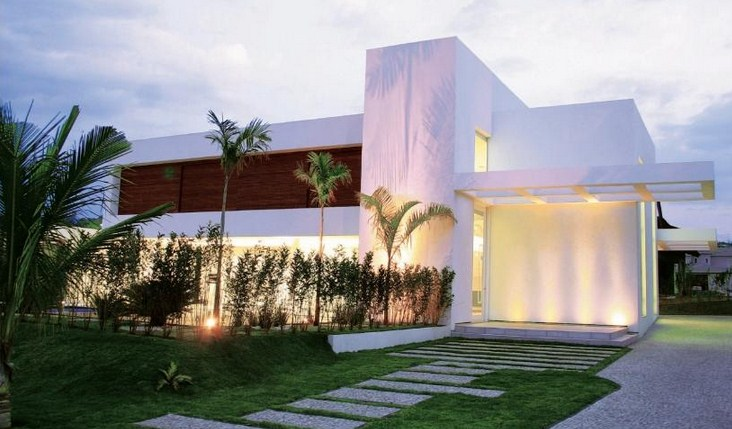 Fachadas de casas de dos pisos for Fachadas de jardines para casas