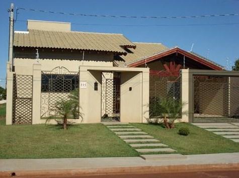 Fachadas de casas pequeñas con techo de zinc