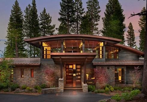 Fachadas de casas revestidas con piedras