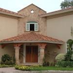 Fachadas de casas con molduras de cantera