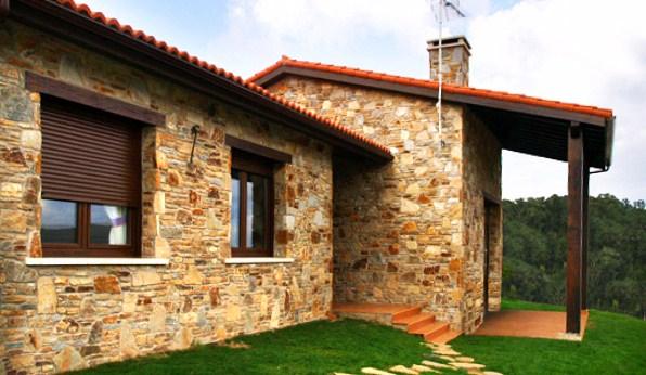 Fachadas de casas rusticas for Fachadas rusticas de piedra y ladrillo