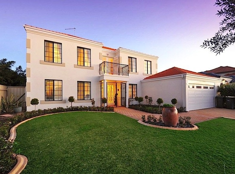 Fachada de mansion moderna