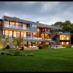 Fachada de mansión moderna