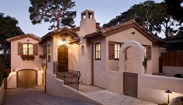 Fachadas de casas coloniales con encanto