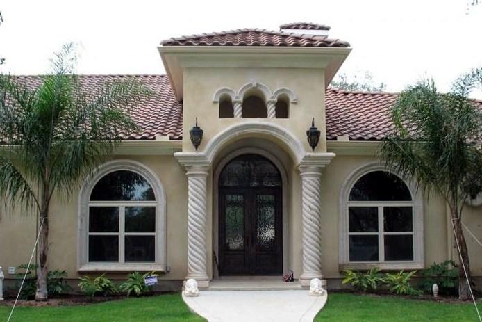 Fachadas con molduras de cantera for Fachadas de ventanas para casas modernas