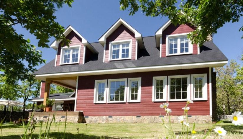 Fachadas de casas con tejas asfalticas