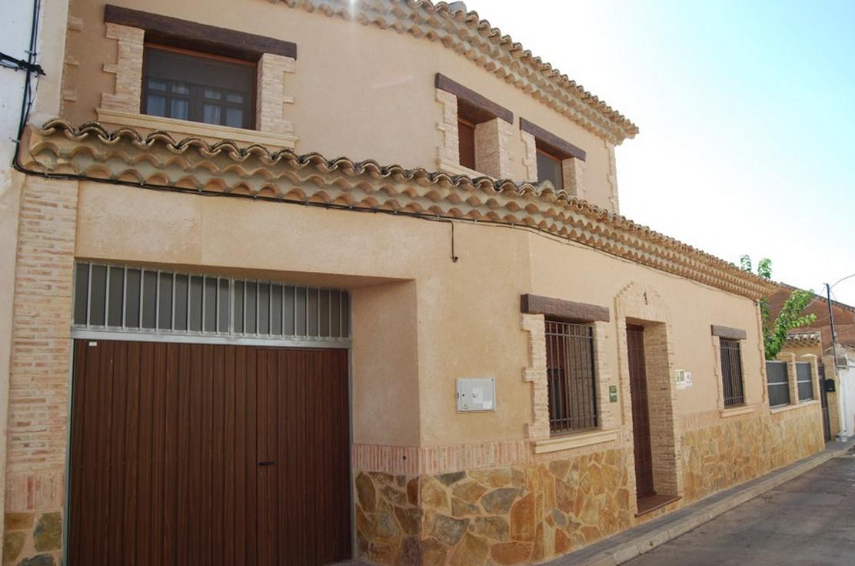 Fachadas de casas de pueblo - Fachadas con azulejo ...