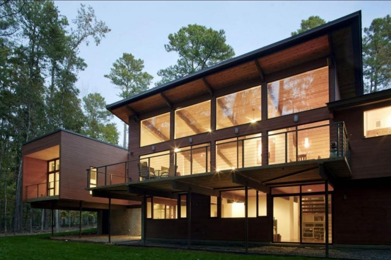 Fachadas de casas iluminadas