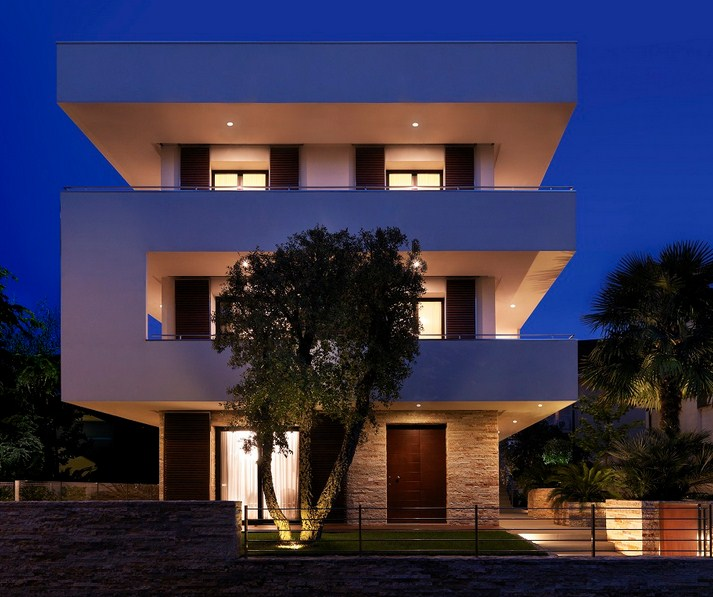 fachadas de casas modernas de 3 pisos