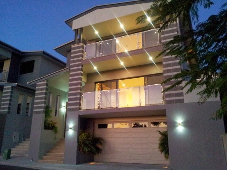 Casas con encanto for Fachadas de casas de 3 pisos modernas