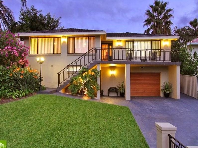 Casas de dos pisos for Fachadas de jardines para casas