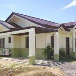 Fachadas de casas pequeñas con arcos