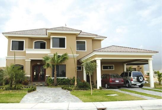 Fachadas de casas con molduras for Casas modernas planos y fachadas