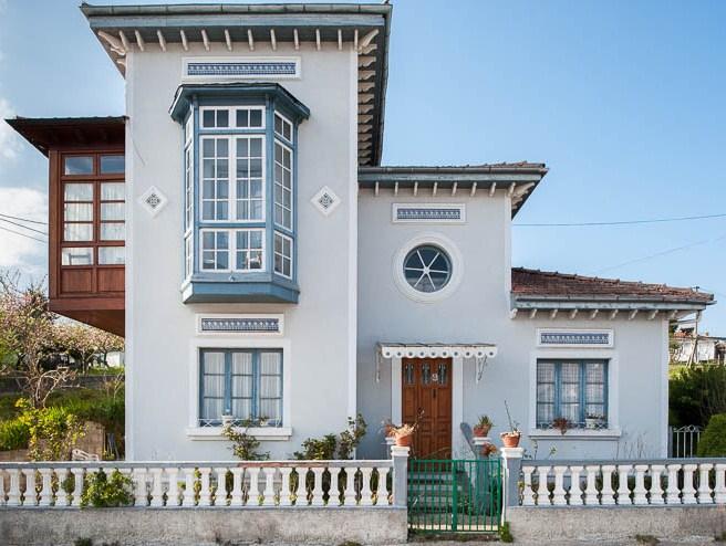 Casas con ventanas redondas