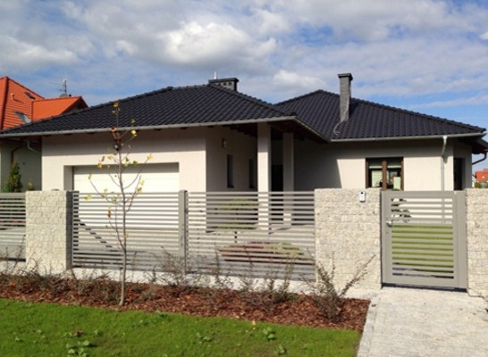 frentes de casas con rejas horizontales
