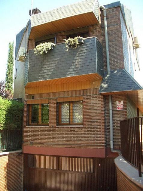 Fachadas de casas con ladrillos vistos for Modelos de fachadas para casas de 2 pisos
