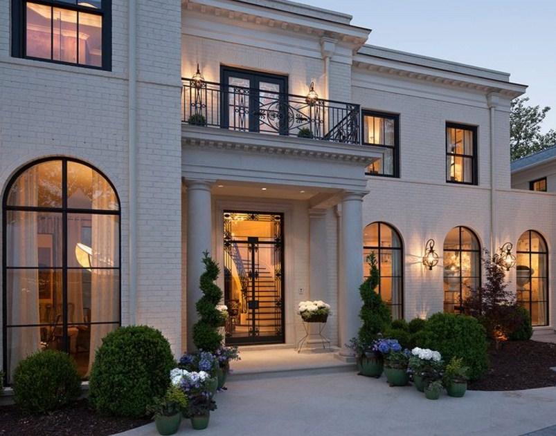 Fachadas de casas pintadas de color beige