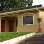 Fachadas de casas de color beige