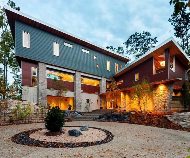 Frentes de casas de piedra natural