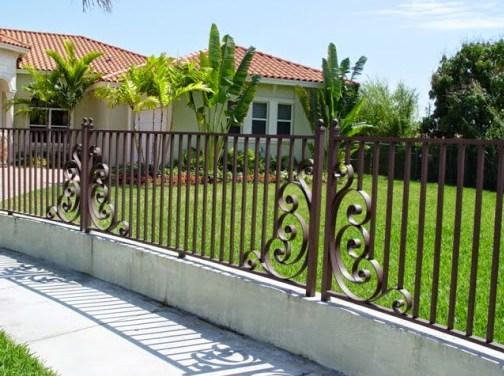 Fachadas de casas bonitas con hierro forjado