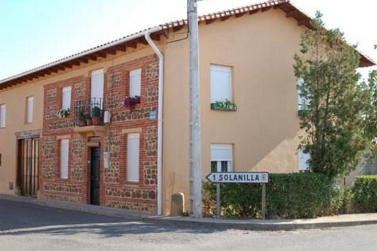 Fachadas de casas con ladrillos rusticos