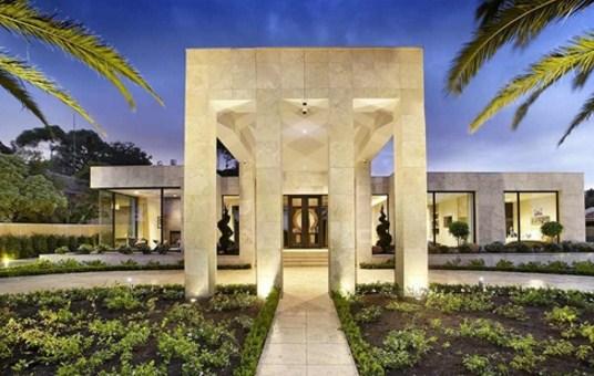 Fachadas de casas modernas con columnas