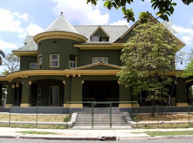 Consejos sobre fachadas part 8 for Colores para casas fachadas