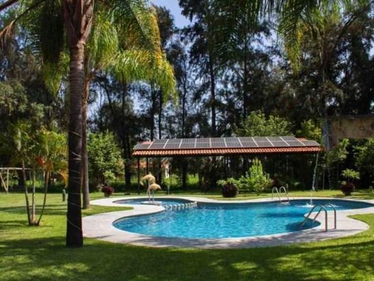 Casas con alberca y jardin for Casa campo y jardin