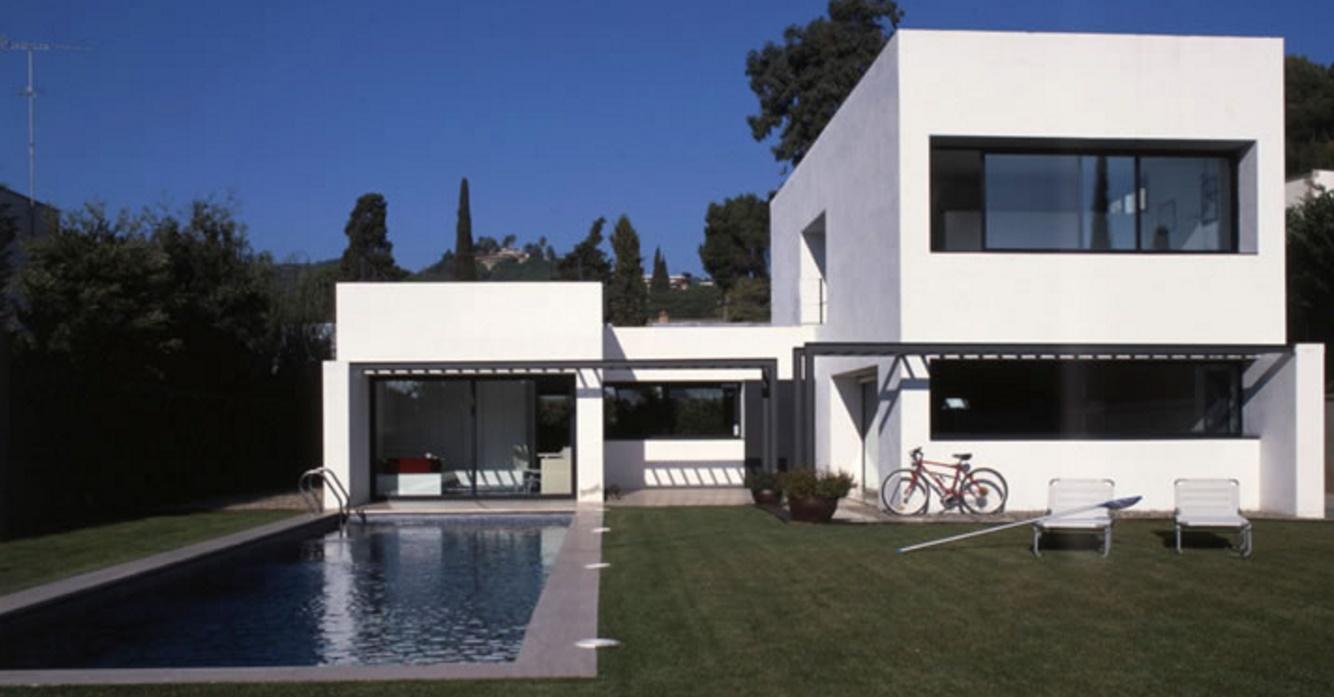 Fachadas de casas modernas part 10 for Piletas modernas