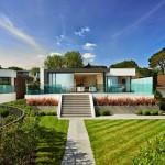 Fachadas de casas con hermosos jardines