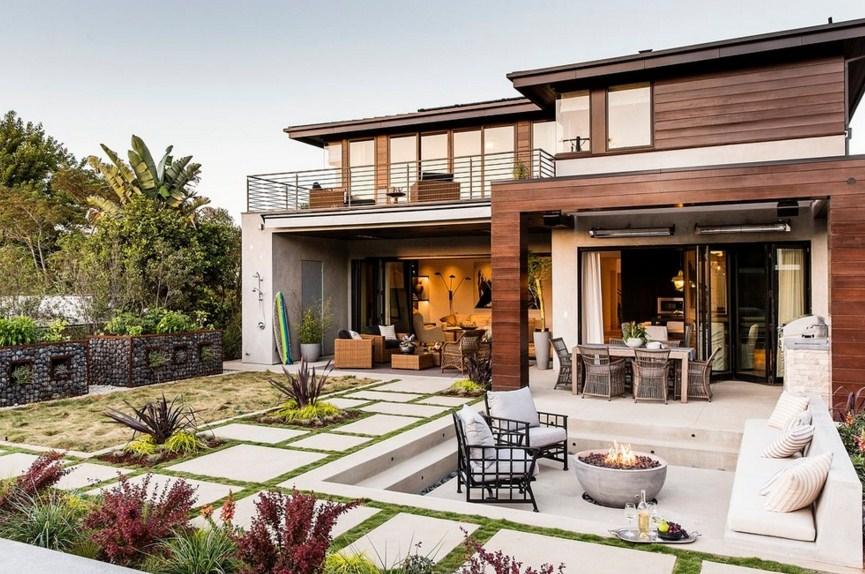 Fachadas de casas con hermosos jardines minimalistas