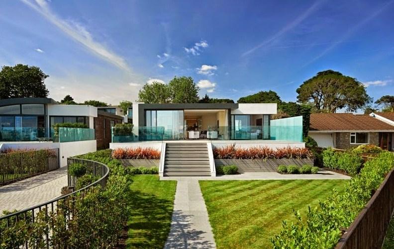 Fachadas de casas con jardines frontales for Fotos de jardines de casas modernas