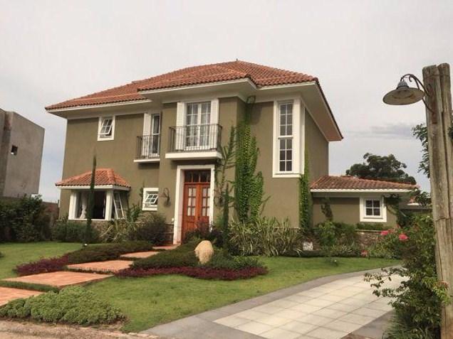 Fachadas de casas con estilo for Fachadas de casas estilo rustico moderno