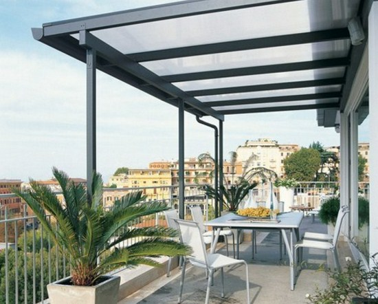 Fachadas de casa con pergolas modernas