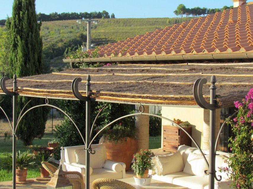 Fachadas de casa con pergolas