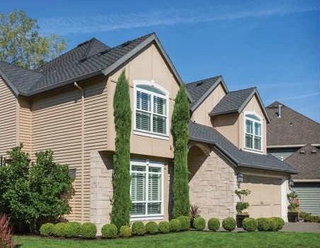Fachadas de casas con techos a cuatro aguas for Formas de techos para casas