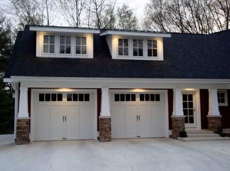 Fachadas de casas grandes con cochera doble