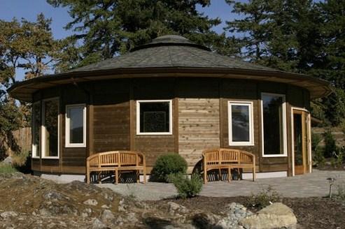 Fachadas de casas redondas de madera