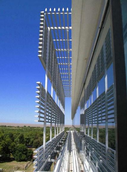 Decoracion de fachadas part 10 for Parasoles arquitectura