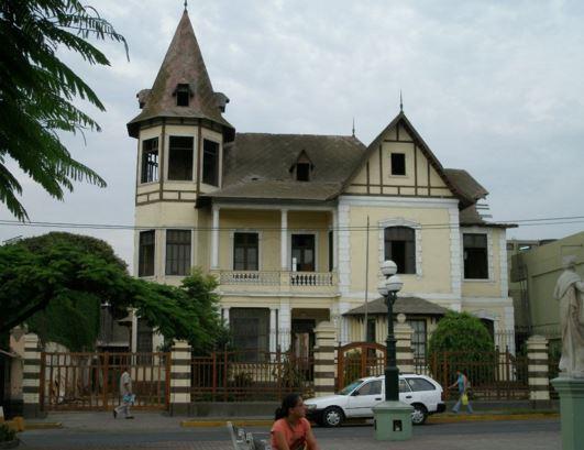Fachadas de casas antiguas for Casas viejas remodeladas