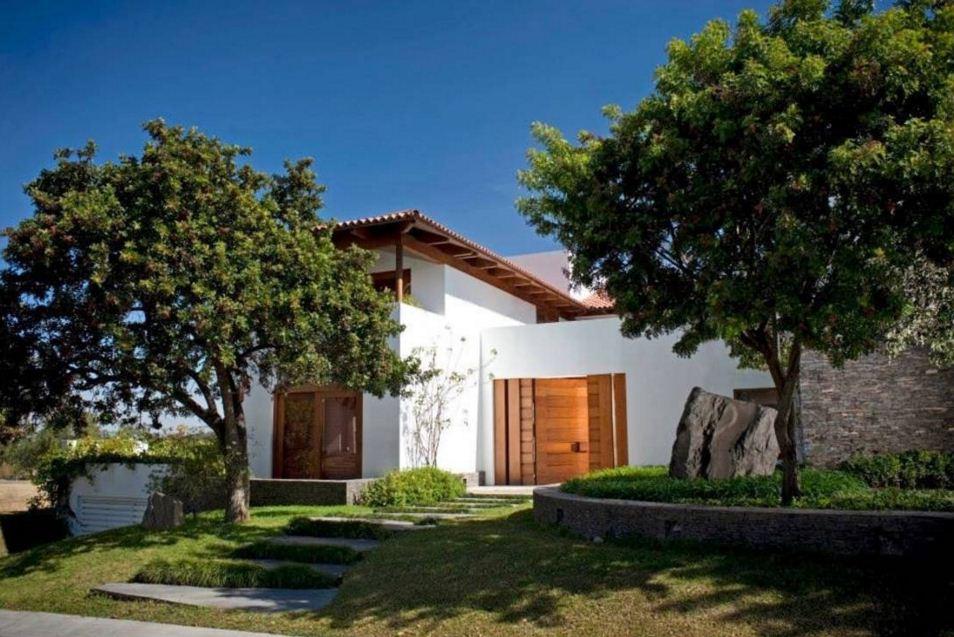 Fachadas de casas con arboles - Tipos de tejados para casas ...