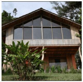 fachada de madera detalle