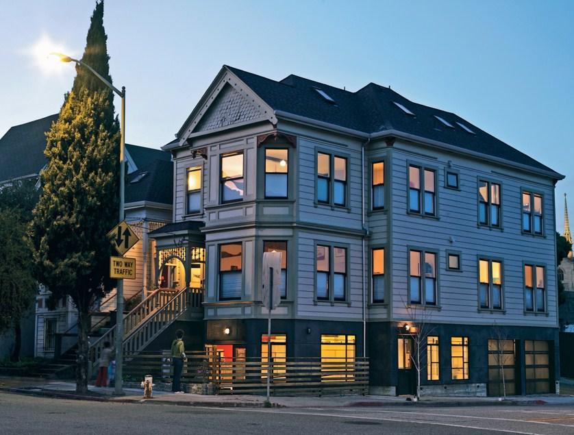 fachadas de casas lujosas de 3 pisos