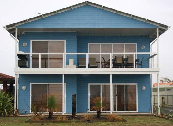 Fachadas azul y blanco