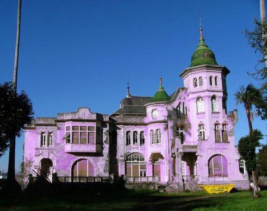 fachadas de color lila