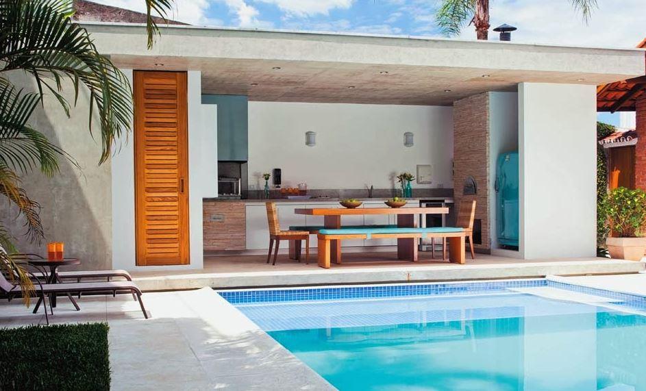 Fachadas simples con piscinas