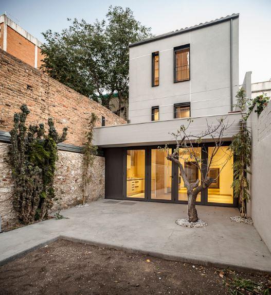 fachadas-casas-modernas-medianeras