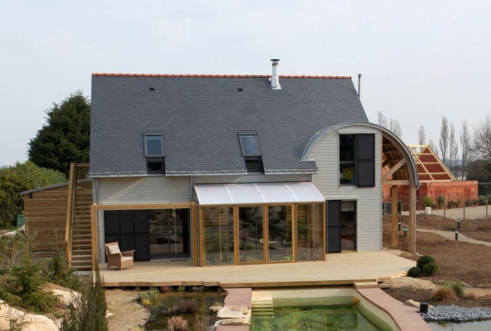 fachada-de-casa-bioclimatica
