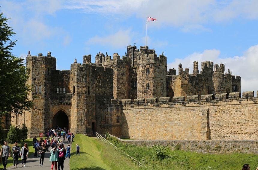 fachadas-de-castillos-con-muralles